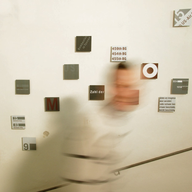 Ausstellung »Rauch und Staub«